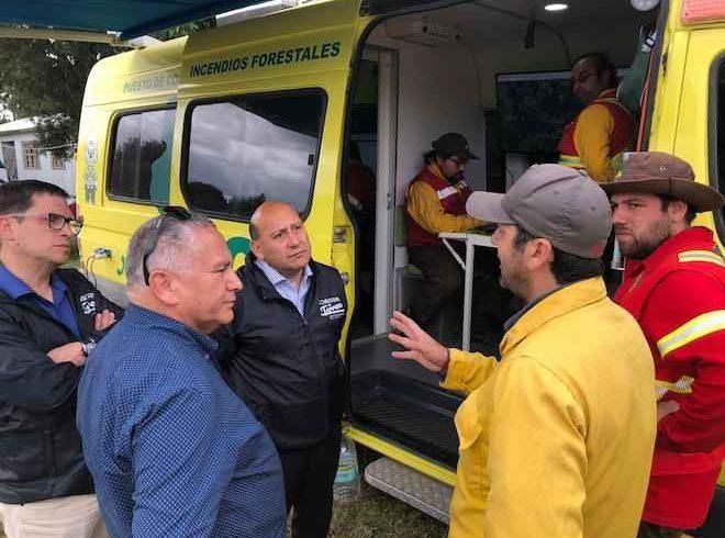 Gobernador de Chiloé entrega balance de incendio forestal en sector de Chaquihual