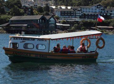 Adultos mayores de ELEAM disfrutaron de recorrido por el Lago Llanquihue gracias a iniciativa del Sindicato Sitraem
