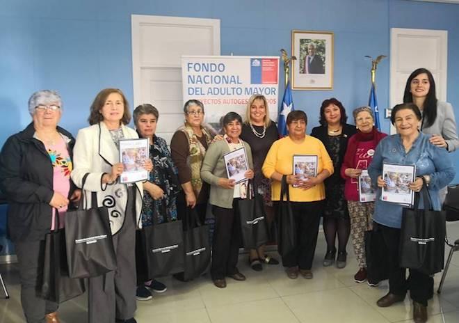 Desarrollo social lanza fondo de más de 70 millones para proyectos de adultos mayores