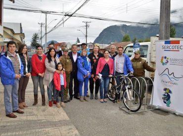Municipalidad junto a comerciantes coordinan instalación de bicicleteros en distintos sectores de Puerto Aysén