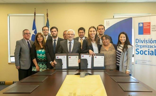 Seremi de Gobierno y USS firman nuevo convenio para capacitar a dirigentes sociales