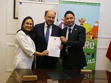 Firman convenio para abrir la primera Oficina Local de Niñez del país