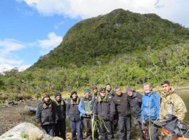 Sernageomin participa en exploración al volcán más austral del continente americano