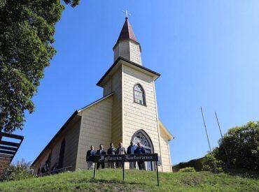 Director nacional de Arquitectura del MOP junto a alcalde de Puerto Varas realizaron visitas a iglesias Luterana y del Sagrado Corazón de Jesús