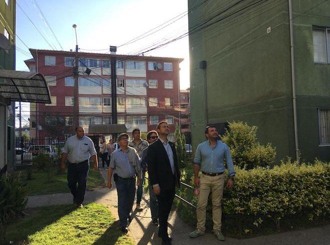 Inspeccionan obras de mejoramiento en 660 departamentos de conjunto Los Conquistadores en Concepción