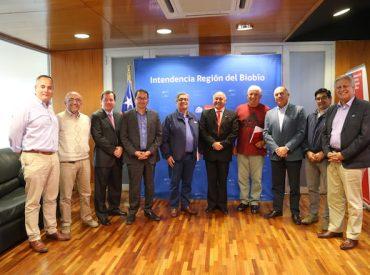 Reunión transversal del intendente, parlamentarios y dirigentes de CAP Y Moly-Cop por acero chino