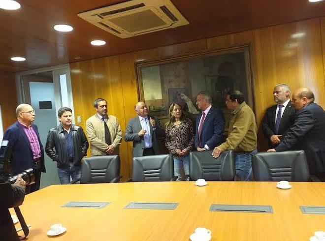 Sindicalistas sostuvieron breve encuentro con ministro Larraín en Concepción