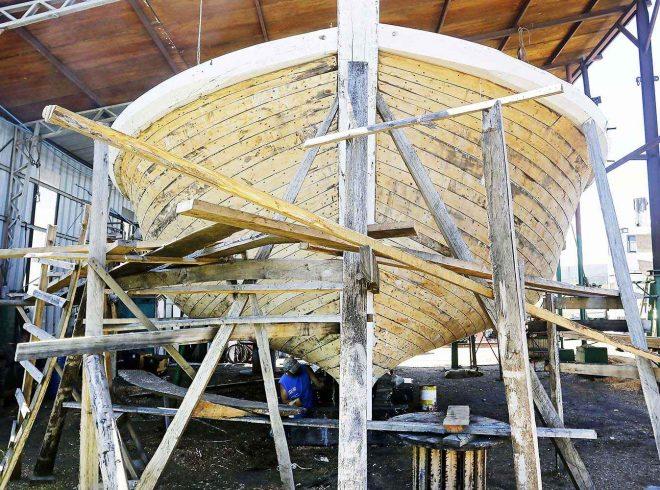 Constructores de botes de madera se reinventan y apuestan por naves más sofisticadas para deporte y turismo