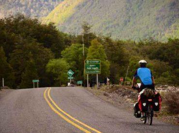 Expertos analizarán atributos de destino lagos y volcanes como potencial primera ruta escénica del país