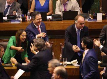 """Ministro Walker por aprobación de TPP11: """"Aquí ganó Chile, ganó la agricultura chilena"""""""