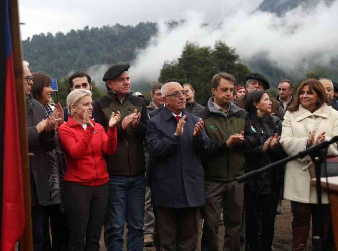 Gobierno recibe oficialmente donación de Parques Pumalín y Patagonia de parte de Tompkins Conservation