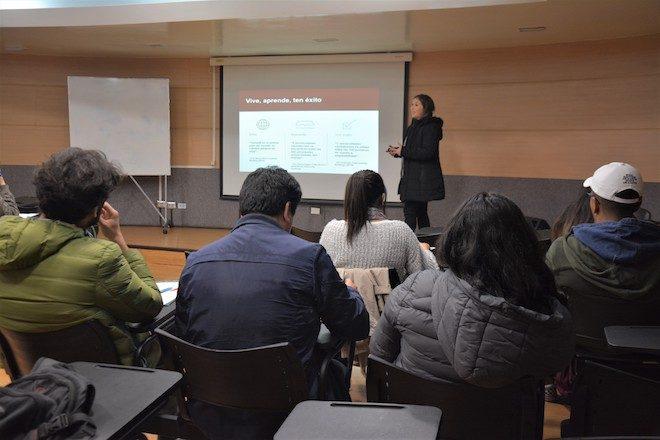 Embajada de Canadá en Chile da a conocer oportunidades de estudios a estudiantes y profesionales penquistas