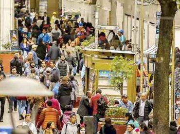 Ventas del retail en Biobío y La Araucanía evidencian alzas marginales: baja expectativa de crecimiento y pesimismo de consumidores es la constante