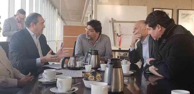 Senador Bianchi presentó proyecto que permitirá a municipios y mayor número de usuarios acceder a tarifas libres de energía eléctrica