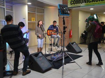 Tomas Acústicas: sesiones de música organizadas e interpretadas por tomasinos
