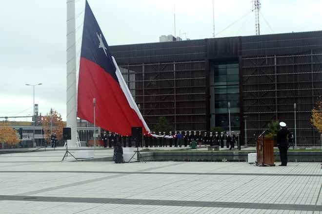 Comandancia en Jefe de la Segunda Zona Naval dio inicio al Mes del Mar con el izamiento de la bandera bicentenario