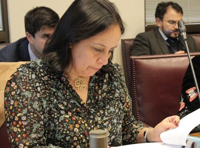 Senadora Aravena resalta compromiso de avanzar en una Ley General de Suelos