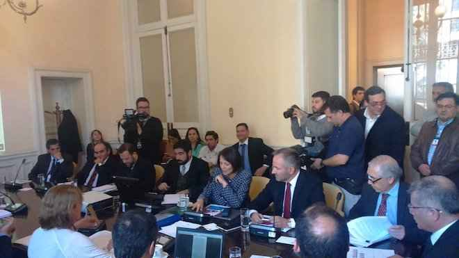 Diputados fijan sesión especial por ENAP: presidenta y gerente general deberán explicar irregularidades y despidos