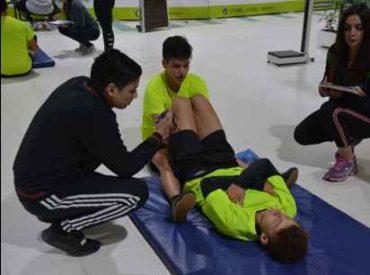 Jóvenes vialinos recibieron evaluaciones físicas en Santo Tomás