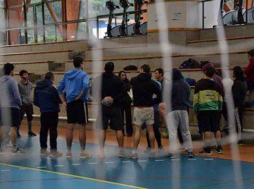 Entrenadora portuguesa enseñó en la USS a adaptar el handball a la escuela