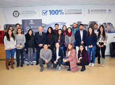 Autoridades de la USS Valdivia compartieron con estudiantes que obtuvieron la beca de excelencia académica