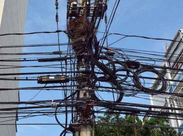 Diputado Hernández valora proyecto para retiro de cables aéreos en desuso