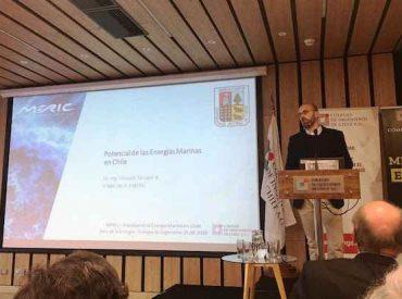 Académico de Ingeniería Naval UACh expone potencialidades de energía marina en mesa de expertos organizada por el Colegio de Ingenieros de Chile