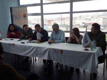 Intendente Giacaman entrega fondos para potenciar el deporte en Dichato tras 10 años del terremoto