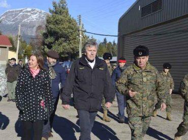 Ministro de Defensa visitó Campo Militar de Coyhaique en visita a la región