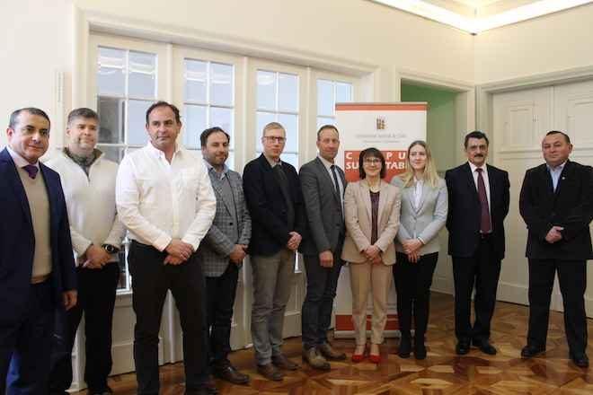 UACh y Miksei Mikelli firman convenio por Proyecto de Calefacción Distrital