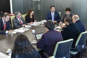 Ministerio de Economía se reúne con asociaciones de consumidores