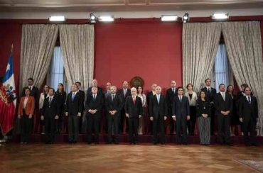 """Presidente Piñera nombra nuevos ministros: """"Chile cambió y el Gobierno también tiene que cambiar para enfrentar estos nuevos desafíos y estos nuevos tiempos"""""""