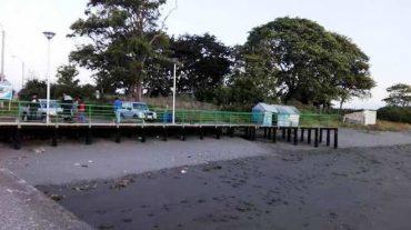 Armada prohíbe uso vehicular en rampa de isla Chelin tras caída de camión con combustible