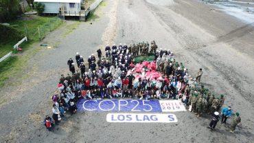 Gobierno, Fuerzas Armadas y scouts retiran cinco toneladas de residuos en playa Pelluhuín de Puerto Montt