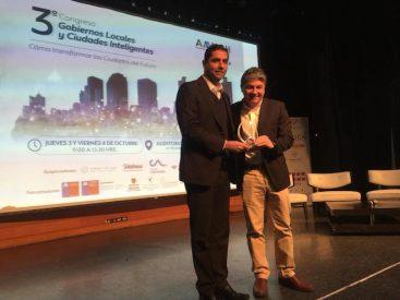 Valdivia recibe premio nacional en concurso de buenas prácticas municipales