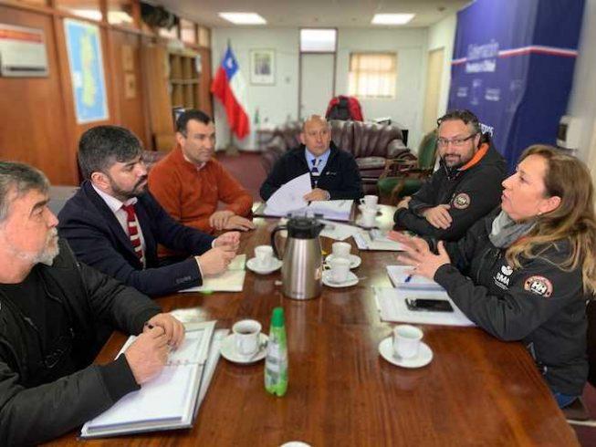 Gobernador de Chiloé se reúne con Superintendente del Medio Ambiente