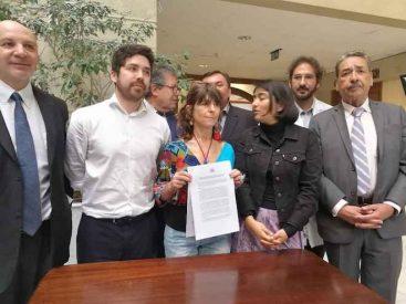 Diputados de oposición firmaron proyecto que prohíbe el uso de armas no letales en el restablecimiento del orden público