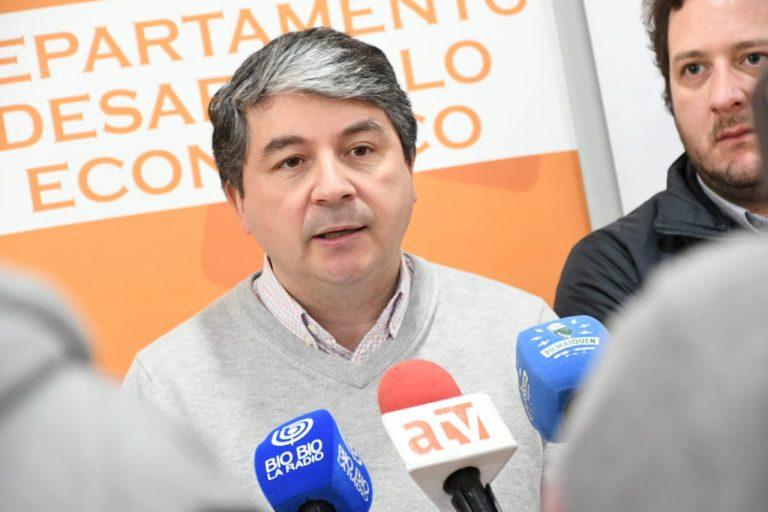 """Alcalde Sabat lanzó feria """"Levantemos las Pymes de Valdivia"""""""