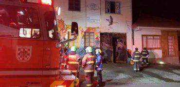 Ataque incendiario afecta a Espacio Comunitario La Idea, oficina parlamentaria del diputado Gabriel Boric