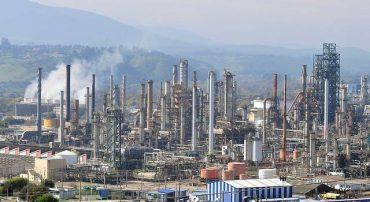 Trabajadores de ENAP adhieren a convocatoria a paro productivo, mientras que empresa garantiza abastecimiento