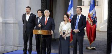 """Presidente Piñera firma proyecto de ley que establece un Ingreso Mínimo Garantizado de $350 mil: """"Estamos respondiendo con hechos a lo que la gente ha demandado"""""""