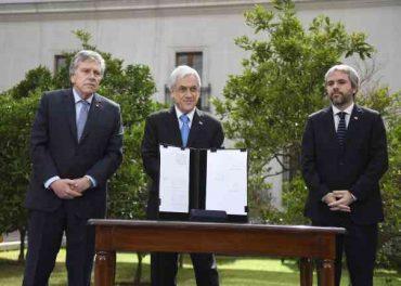 Presidente Piñera firma proyecto que permite a las FF. AA. proteger infraestructura crítica