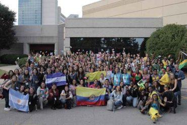 Prestigioso programa busca profesores chilenos bilingües para hacer clases en Estados Unidos
