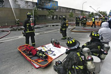 """Cadena Walmart demanda al Estado de Chile por """"incumplir con su deber de garantizar el orden y la seguridad pública"""""""