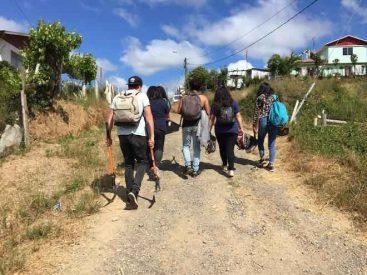 Estudiantes y docentes tomasinos reparan sede y juegos infantiles en San Jorge