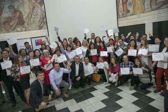60 dirigentes del Biobío se certifican en liderazgo social