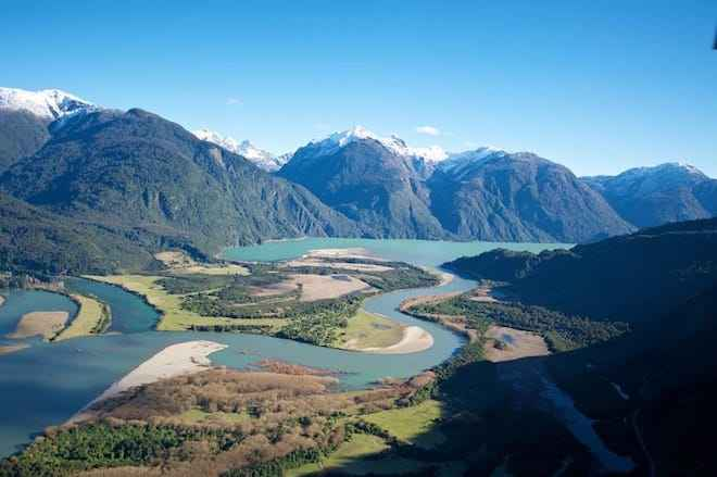 En inédito acuerdo con Gobierno, Hidroeléctrica Hidroner cede derechos de agua para futura reserva de agua del río Puelo
