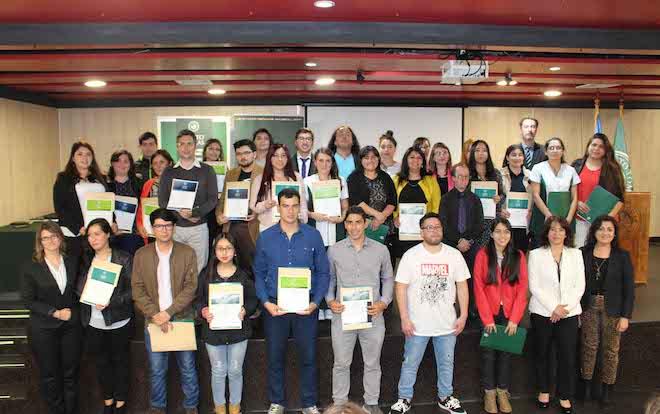 Santo Tomás Valdivia realizó ceremonia para sus estudiantes destacados 2019