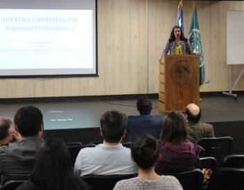 Santo Tomás sede Valdivia organiza conversatorio sobre la constitución chilena