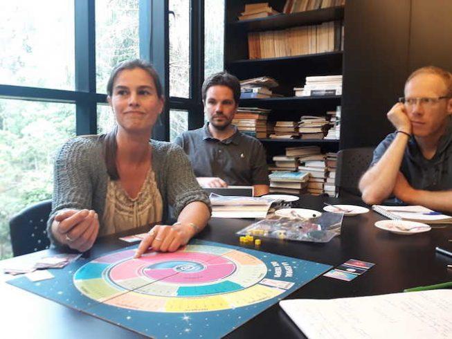 """Equipo científico de la UACh creará juego de mesa """"La Espiral del Tiempo"""""""